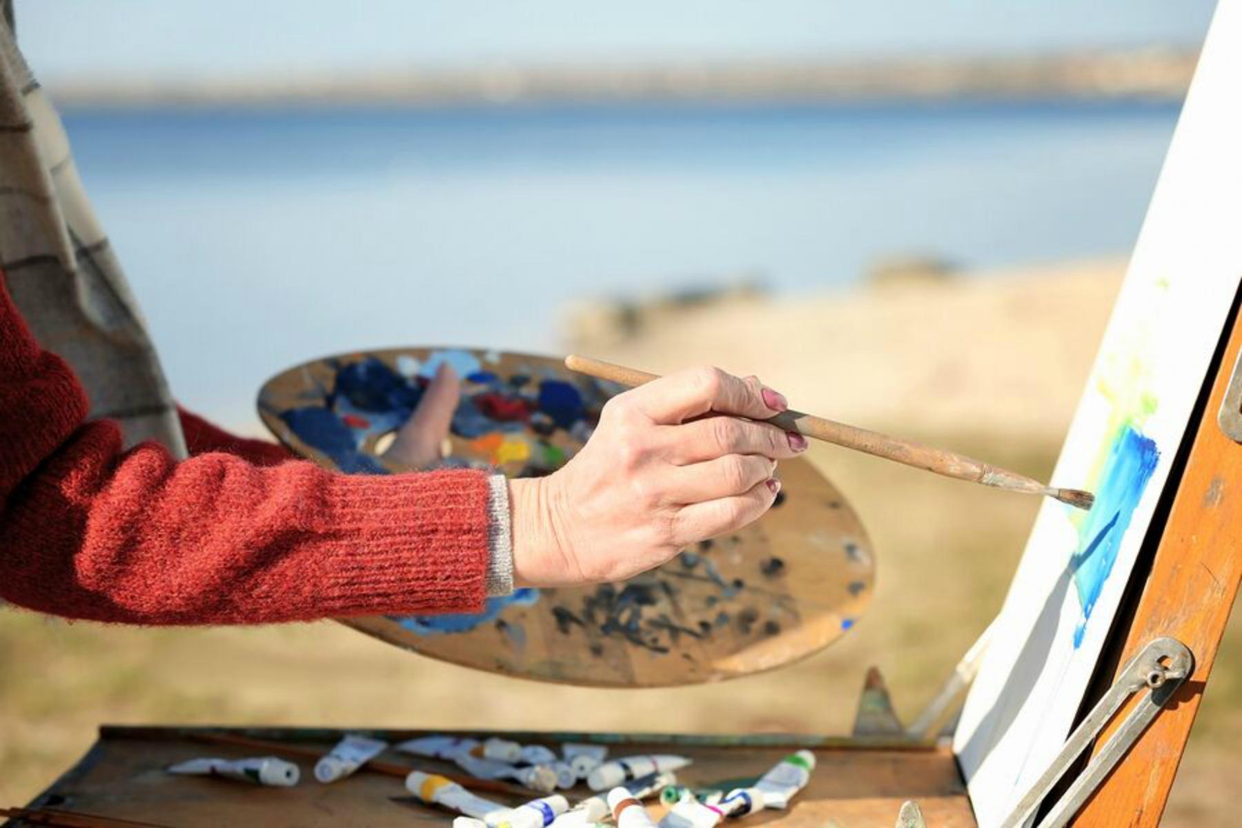 Home Care in Goodyear AZ: Helped Hattie Paint Again